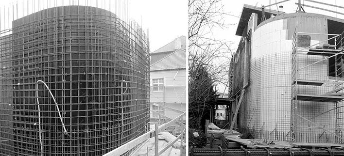 Proces betonování stavby. Vpravo lze vidět, že skelet domu je tvořen jakýmsi betonovým sendvičem, mezi který je vložena izolace. (Archiv společnosti Crescon)